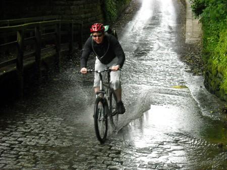 robin-hoods-bay-bike